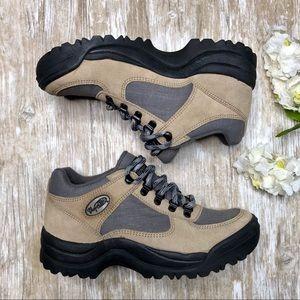 EUC! VASQUE Womens 8 Leather Hiking Shoes